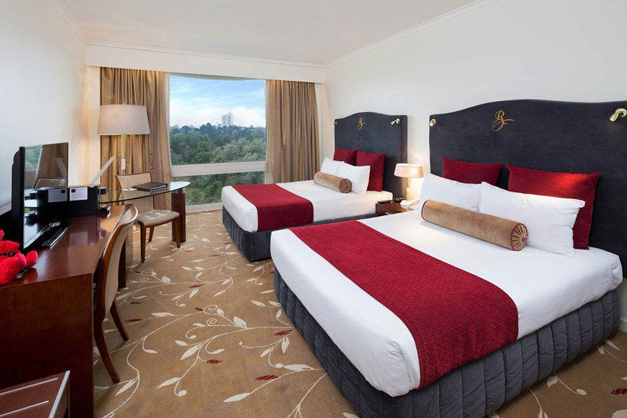 Our Park View Twin room featuring 2 x Queen size beds, overlooking City Botanic Gardens